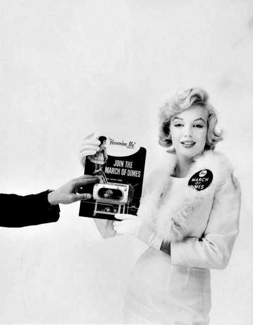 Marilyn publicizing March of Dimes in January 1958.