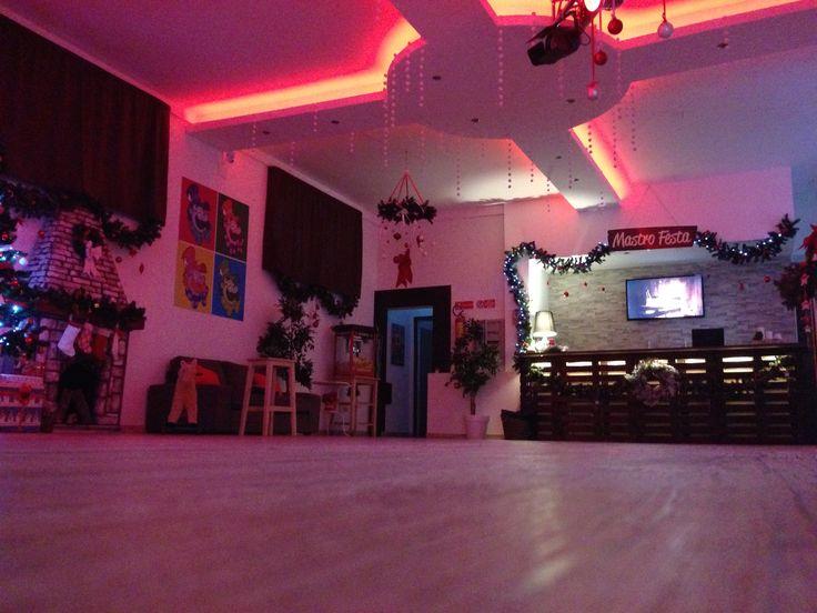 #animazionebimbi #party #mastrofesta #festeperbambini #locationperfeste #localeperfeste #localeperbambini #ideeperfesta #waitingforchristmas #addobbinatalizi #addobbidinatale #scenografienatalizie #alberodinatale #regali #camino #natale