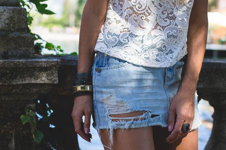 saia jeans destroyed para um look casual e despojado