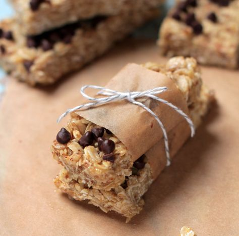 The Best NO-BAKE Granola bars! So easy, real food ingredients, and kid-friendly!