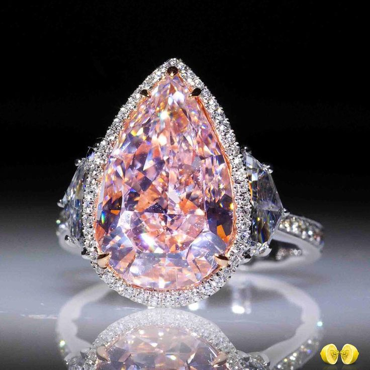 I really don't care for pink stones but this one is gorgeous