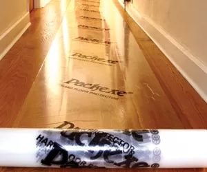 Packexe Hardfloor protector can be used on hard or laminate flooring to protect from moisture, dirt and wear and tear from building work.
