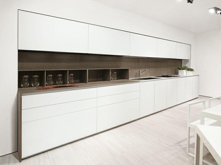 Counter Height Kitchen By MK Cucine.