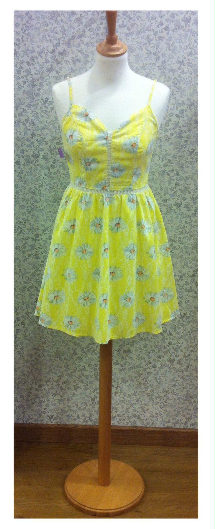 Vestido amarillo estampado