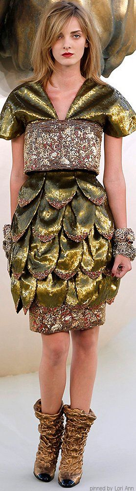 Chanel Couture Fall 2010 | The House of Beccaria~   jαɢlαdy