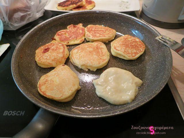 Αφράτες και ελαφριές τηγανίτες γιαουρτιού,ζεστές ή κρύες όπως και να τις φας είναι φανταστικές!!! Στο πρωινό με τυριά, με μέλι,...