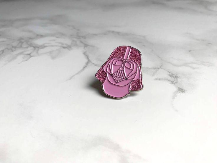 Schattig kawaii roze glitter Star Wars Darth Vader glazuur pin beperkt 100 door MadameCatspurrr op Etsy https://www.etsy.com/nl/listing/542045901/schattig-kawaii-roze-glitter-star-wars