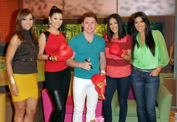 Photos: Canelo Hits Despierta America on Univision - Boxing News