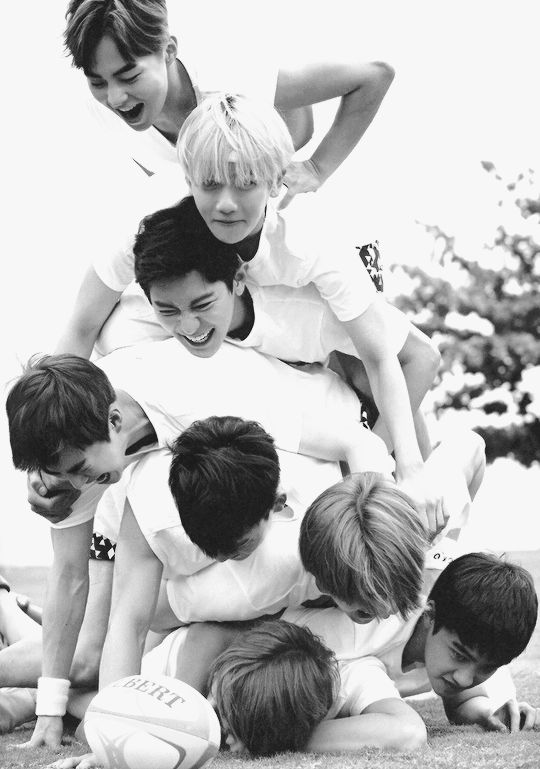 I can't deal with EXO, they are perfect