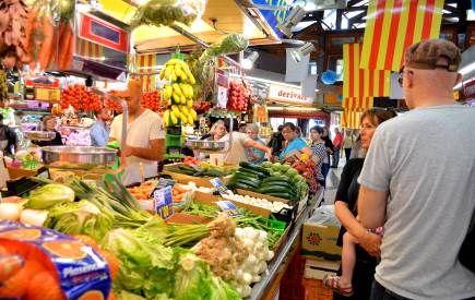 La spesa al mercat di Santa Caterina di Barcelona faceva parte dell'esperienza del mini corso di cucina sull'Arte culinaria catalana