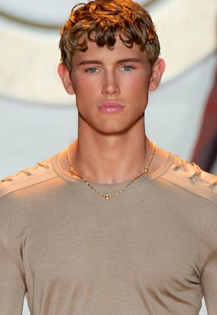 paddy mitchell with versace hairstyle male model wall pinterest versace and hairstyles. Black Bedroom Furniture Sets. Home Design Ideas
