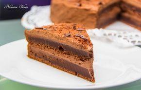 Tort De Post Cu Ciocolata Usor. care v-am promiso!!!Acest tort de post cu ciocolata se incepe prin prepararea cremei.Se pune frisca lichida intr-un vas la foc