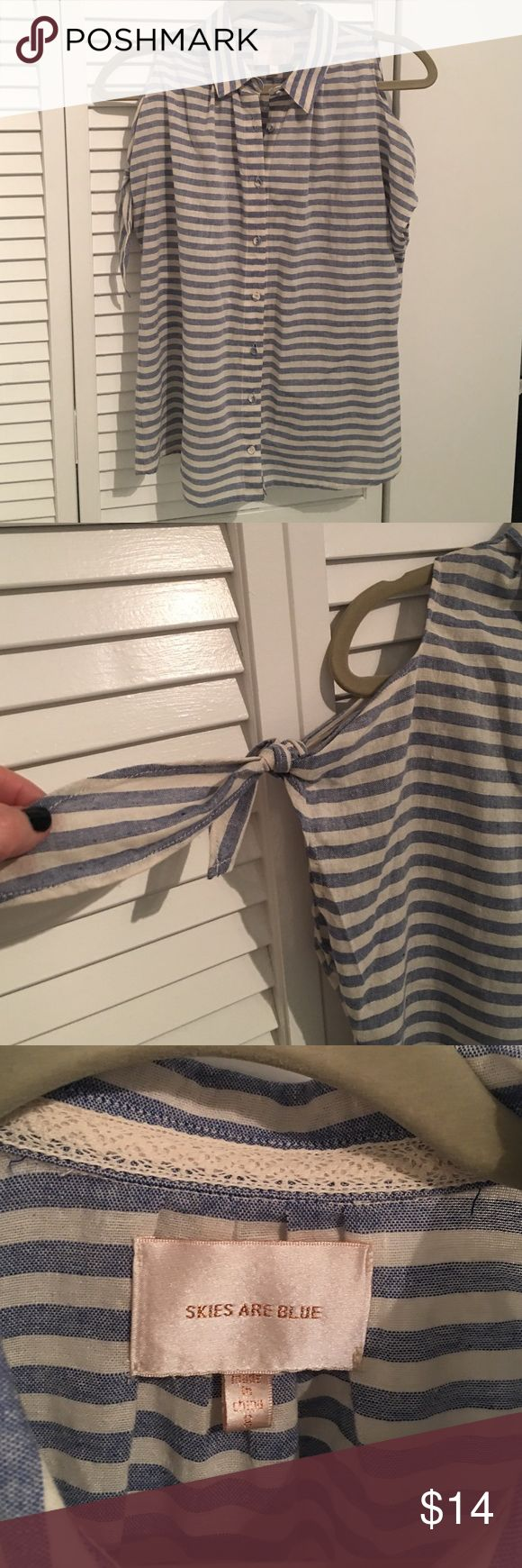 Skies Are Blue Striped cold shoulder top Buttons up with adorable fabric covered buttons. Never worn but took off tags. From Golden Tote. Skies Are Blue Tops Blouses