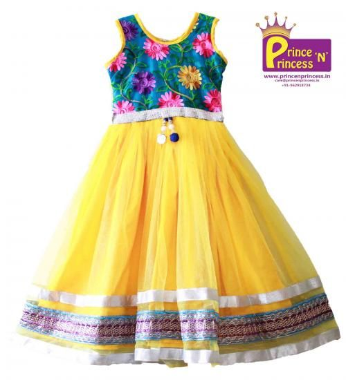 Cute Kids long frock .. BUY Online @ www.princenprince... .. BUY new born silk frock Online @ www.princenprince... .. #kids #choli #pattu #pavadai #girls #silk #traditional #designer #creative #indian #lehenga #kidswear #skirt #trendy #children #clothes #new #stylish #dresses #partywear #apparel #fashion #readymade #girl #dress #frock #gown #birthday #princess