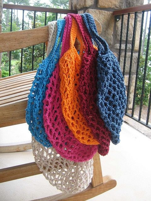 21 links to free patterns for crochet market bags
