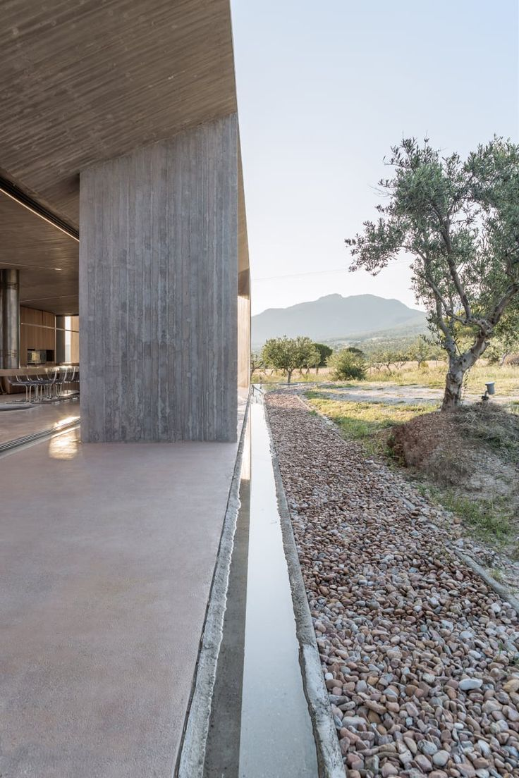 TENSE ARCHITECTURE NETWORK  RESIDENCE IN MEGARA