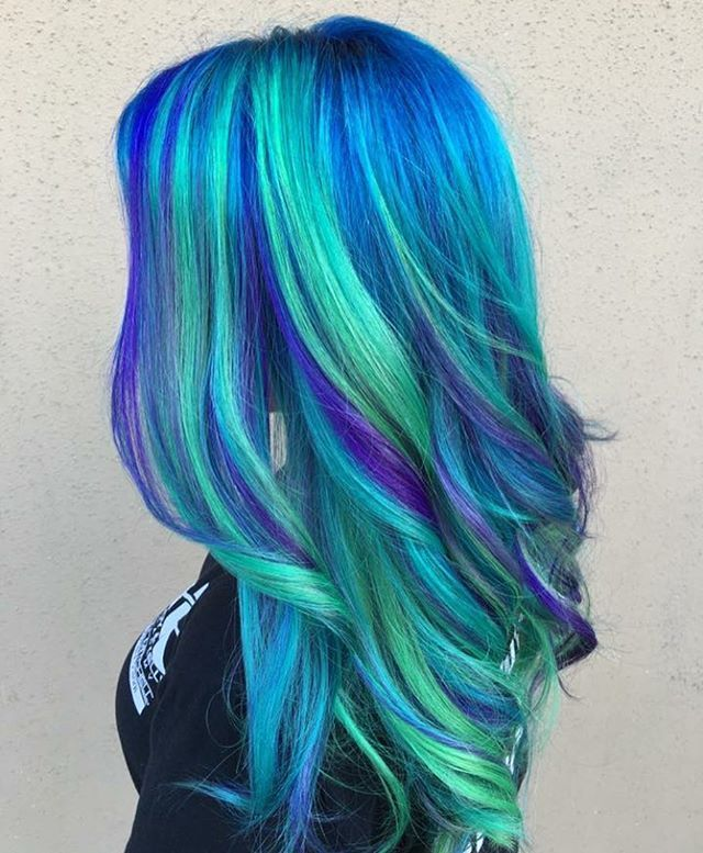 WEBSTA @ pulpriothair - @xostylistxo is the artist... Pulp Riot is the paint.