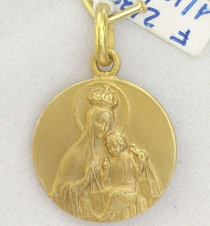 Medalla De Oro Escapulario Con Virgen Del Carmen Y Corazón De Jesús En Tono Mate Tamaño Pequeño ¡Ven A Verla!