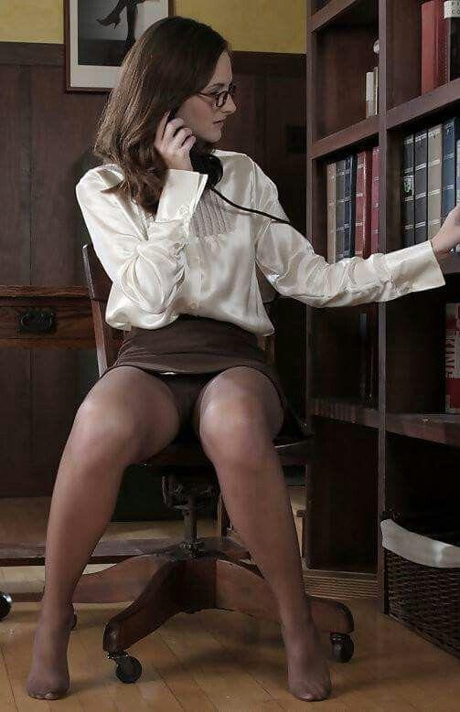 Love seeing mature panties upskirst certainly enjoyed