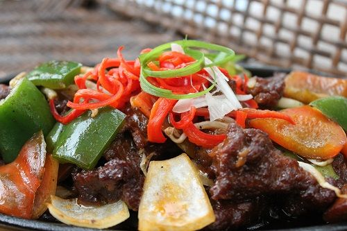 Szechuan Beef Black Pepper (Stir fried Beef Black Pepper with Paprika and Bean Sprouts) at Graffiti Biztro, Mercure Jakarta Simatupang Hotel(www.mercurejakartasimatupang.com) Jl. R.A. Kartini no 18, Lebak Bulus - Jakarta Selatan, 12440 021-75999777