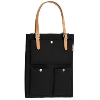 I definitely need a new black bag and I think that it could be this one!
