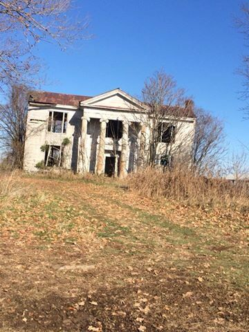 Gravel Switch Kentucky. Could this be Captain Riley's house in Riley, Kentucky?