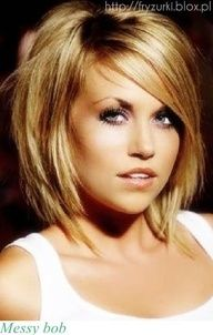 Thinking of growing my hair back out {some}... I could go this length and still keep my bob! I could even still keep it stacked in the back :)