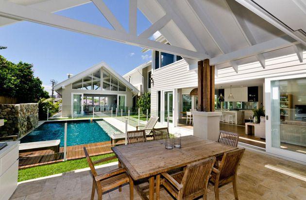 large-spaces-poolside-living-contemporary-seaside-home-11-poolside.jpg