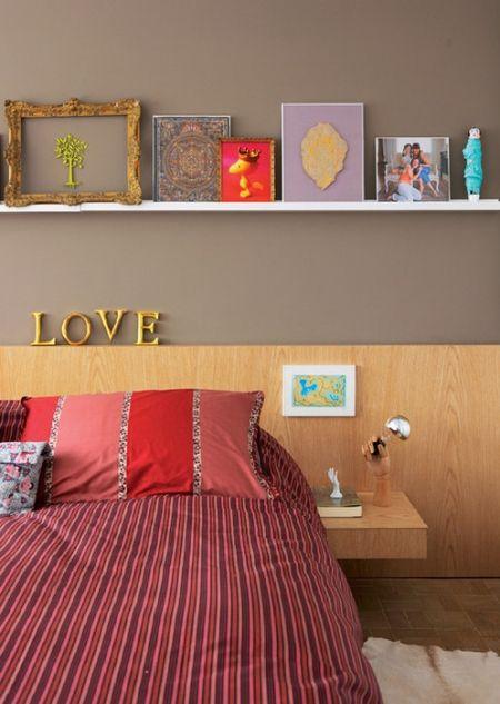 Dicas para quartos pequenos: http://casadefilo.wordpress.com/2012/02/14/quartos-pequenos-organizados-e-com-a-sua-cara/