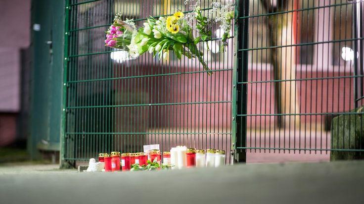 Getöteter Schüler in Lünen: Schule öffnet wieder - Schockbewältigung und Schweigeminute - SPIEGEL ONLINE - Panorama