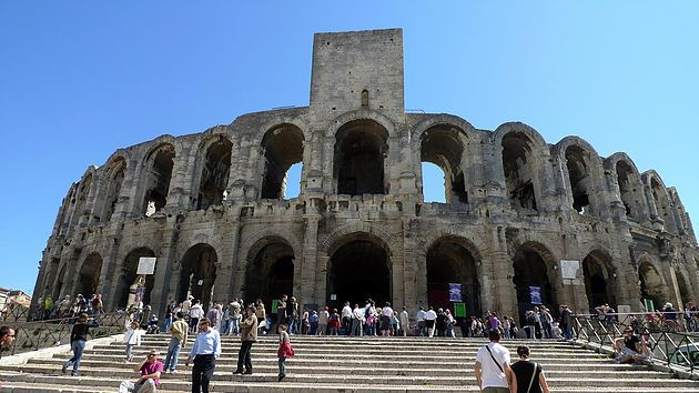 Must See: 6 Ancient Ruins of Aqueducts, Temples and Coliseums in Provence…