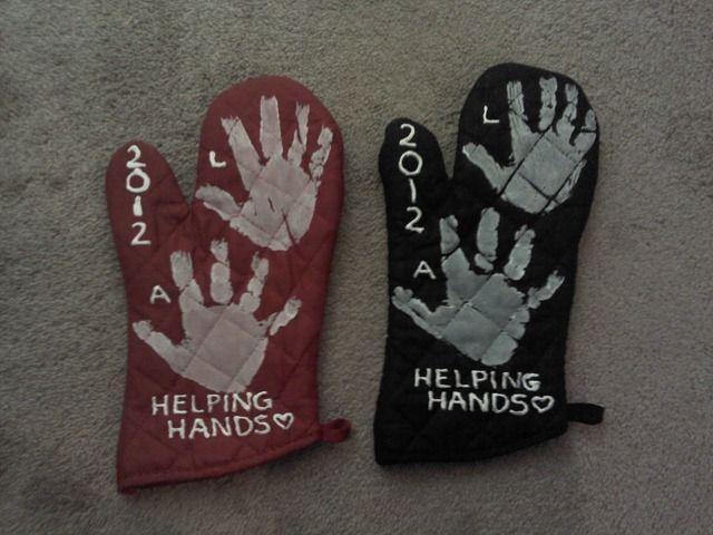 """Helping hands"" @Jean Loang Loang Loang Loang Larson .....cute for clover buds?"