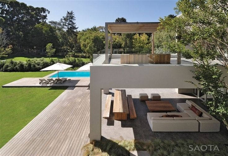 This beautiful contemporary residence designed by SAOTA and Antoni Associates is located in Constantia, Cape Town, South Africa.