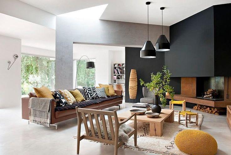 coffee table, rug