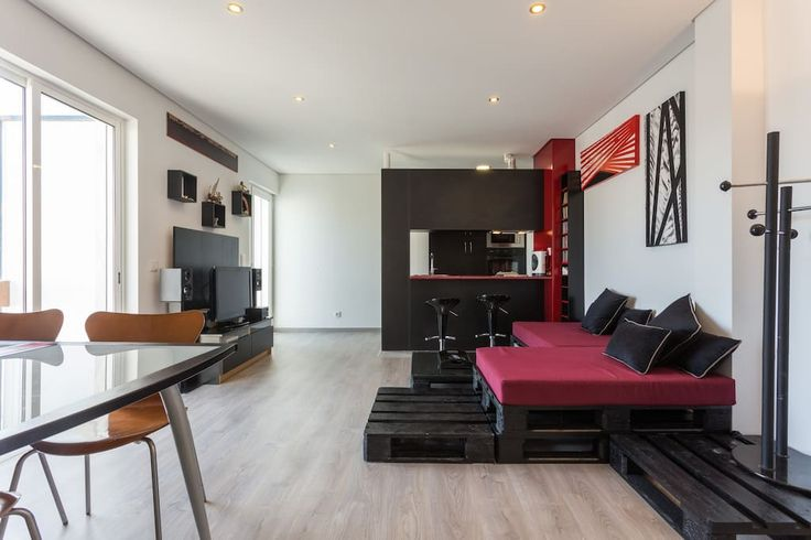 Apartment in Faro, Portugal. Are you looking for an apartment in Faro, with the best location, modern and with personal  taste, close to everything you need to see in Faro and ideal to spend some restful holidays with your family or friends?  Falouie Apartment is the choice. ...