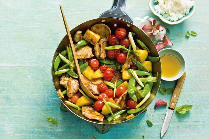 Knapperige groenten, mals vlees en zoete ananas. Uit de wok in 10 minuten op tafel! - Recept - Zoetzuur varkensvlees met bosui - Allerhande