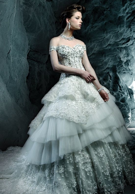 128 best Wedding dress images on Pinterest | Wedding frocks ...