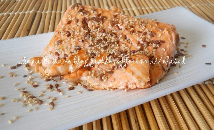 Salmone grigliato con semi di lino e sesamo