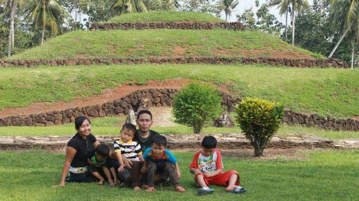 Foto Punden Taman Purbakala