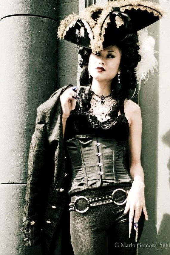 Renaissance Goth girl