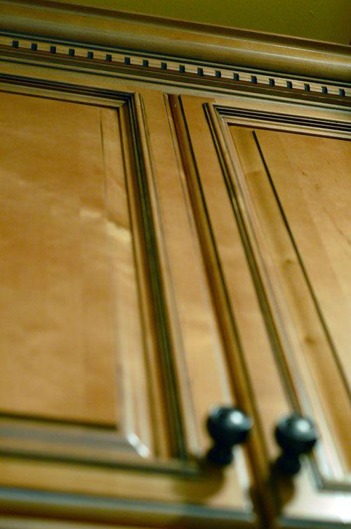 Best 25 Kitchen Cabinet Molding Ideas On Pinterest