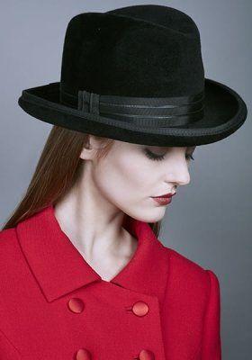 Rachel Trevor-Morgan :: Felt Homburg hat with grosgrain ribbon and leather piping