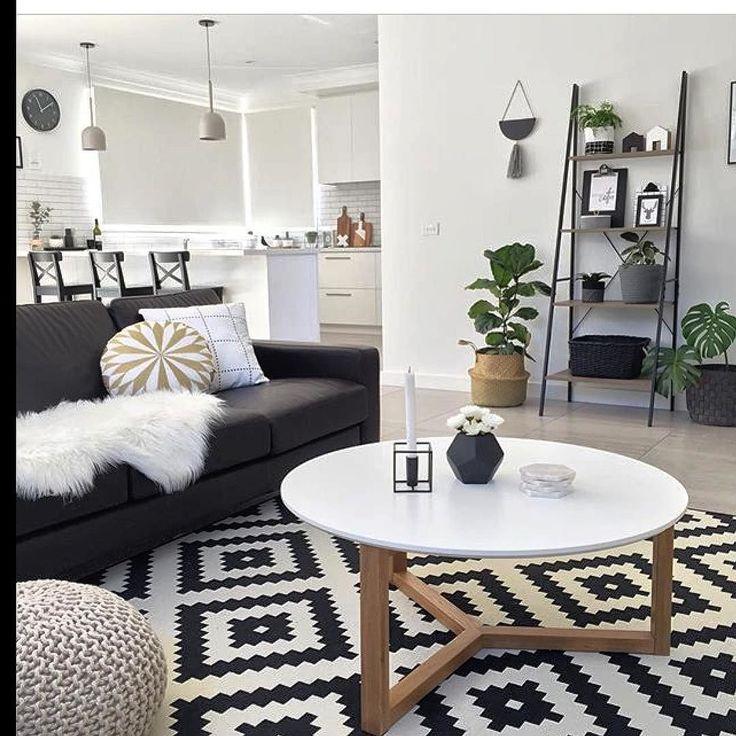 E o design escandinavo invade a decoração. Linhas retas formas simples cores neutras espaços claros e amplos: o estilo escandinavo mistura sofisticação e funcionalidade sendo referência imediata quando se fala de design.
