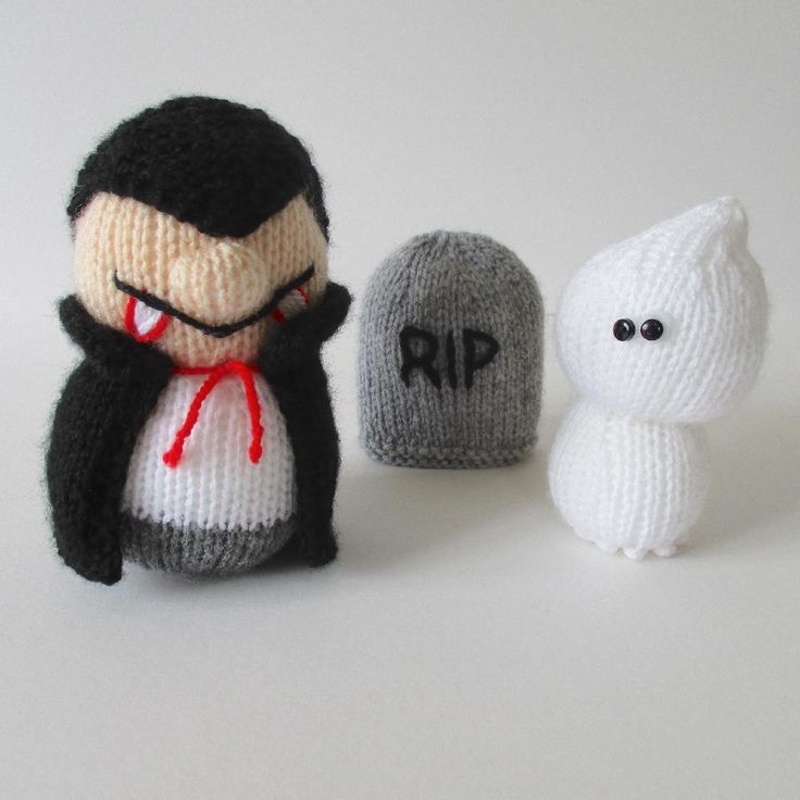 Quick knits for Halloween: dracula and ghosy by Amanda Berry on LoveKnitting