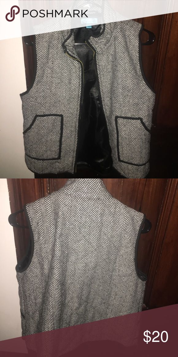 Black and white vest Barley ever worn... practically new! Jackets & Coats Vests