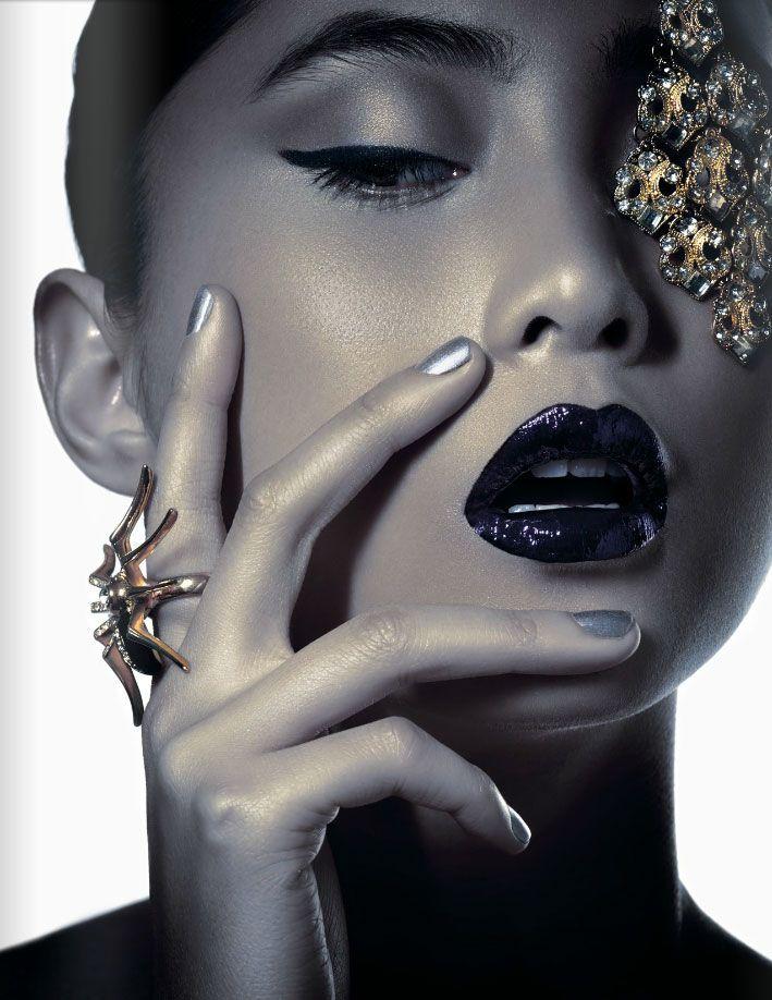 lovely glossy black lips