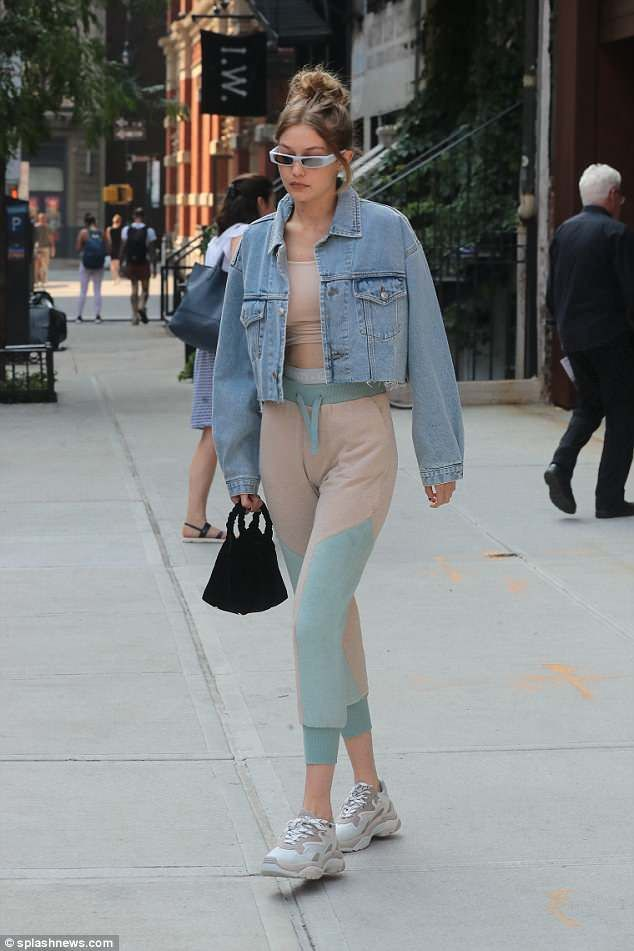 652680f6 Gigi Hadid flashes the flesh in skimpy sports bra and tight leggings |  Center stage, Mint green and Ankle