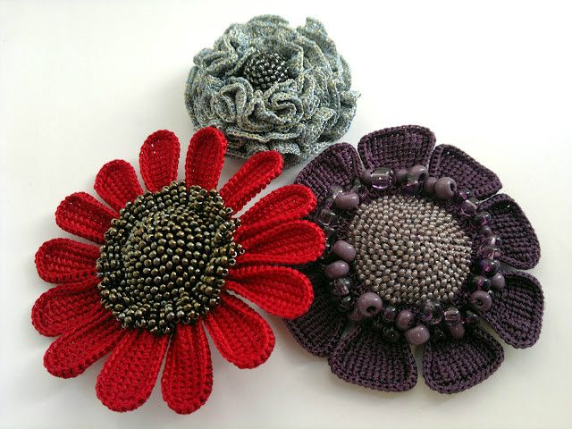 An array of crocheted flowers (no patterns or graphs) with attention to details.