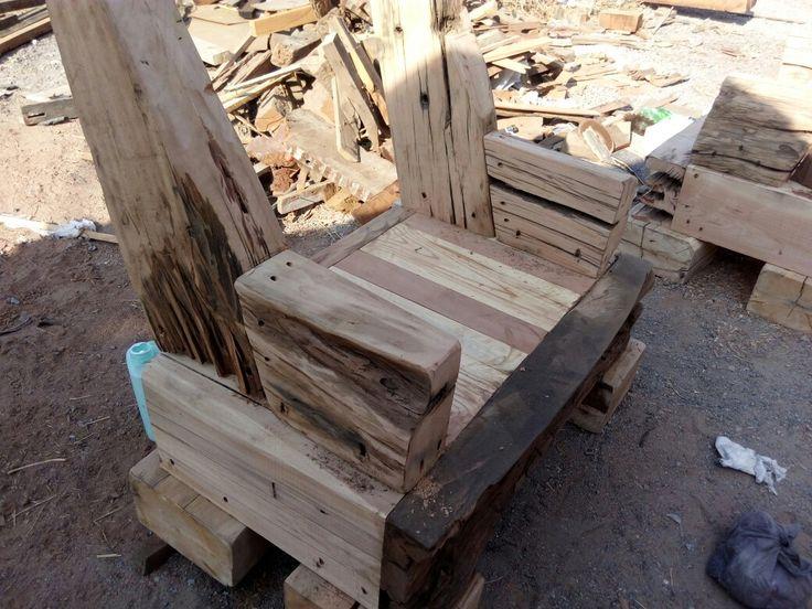 Diseñamos espacios con Muebles rústicos hechos de Pino Oregon de demolición...decoración dw ambientes a medida y a pedido.