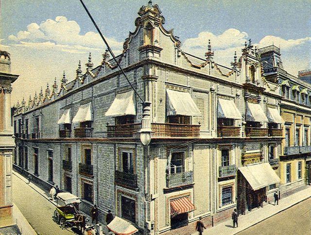 A 19th century postcard view of mexico city 39 s palacio del for Sanborns de los azulejos mexico city